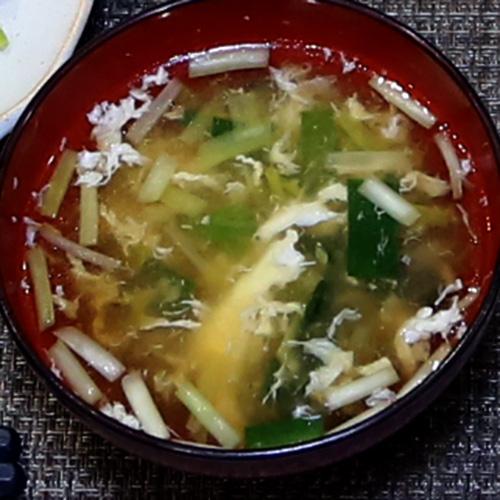 和風2色のにら玉スープ