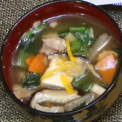 三河野菜とかしわの白だしけんちん汁
